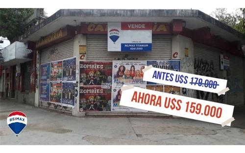 Local En Esquina, Frente Al Hospital Gandulfo.