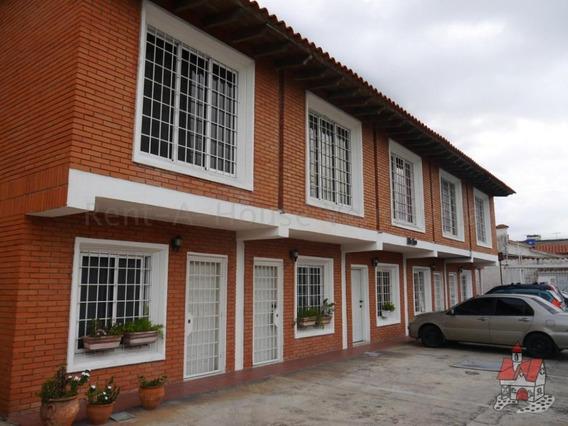 Casa En Venta Barquisimeto 20-8533 Rwh 04145450819