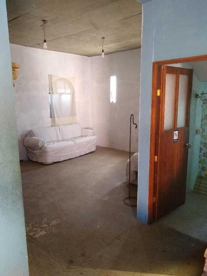 Casa De 2 Pisos; 1 Departamento De 90 Mts Y Planta Baja