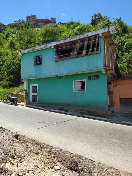 Casa Grande Zona Tranquila Oportunidad De Invertir 5 Cuartos