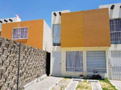 Rento Casa Amueblada Atrás Del Outlet. Periférico Vw.