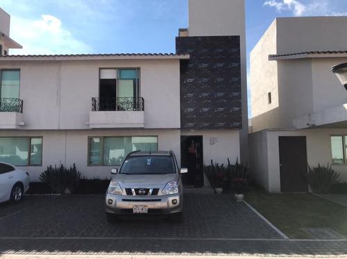 Imagen 1 de 23 de Casa En Venta En Residencial Verona, Metepec