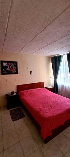 Imagen 1 de 10 de Apartamento De Tres Habitaciones, Un Baño. Super Comodo