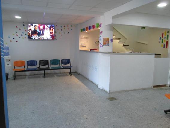 Se Vende Excelente Local, Actualmente Consultorios Médicos. Rosario De Santa Fe 769