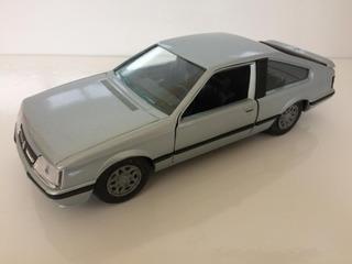Miniatura Opel Monza Hatch 1978 1/24 Gama