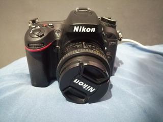 Nikon D7100 Con Lente 50mm