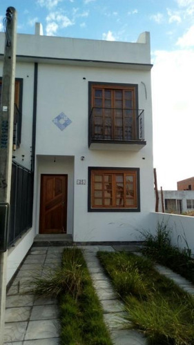 Sobrado 2 Suítes  À Venda, 112 M² Por R$ 370.000 - Guarujá - Porto Alegre/rs - So0123
