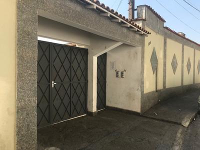 Kitnetes Em Condomínio / Vila Fechado