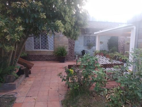 Imagen 1 de 14 de Casa Con Local Impecable Estado O Permuto Por Chacra