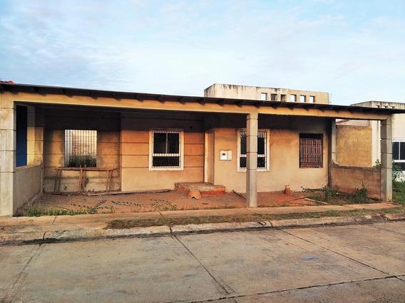 Casas En Venta Tipuro, Urb. Lomas Del Bosque