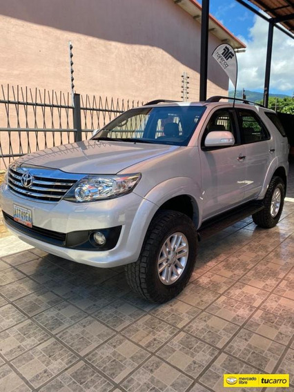Toyota Fortuner Automática