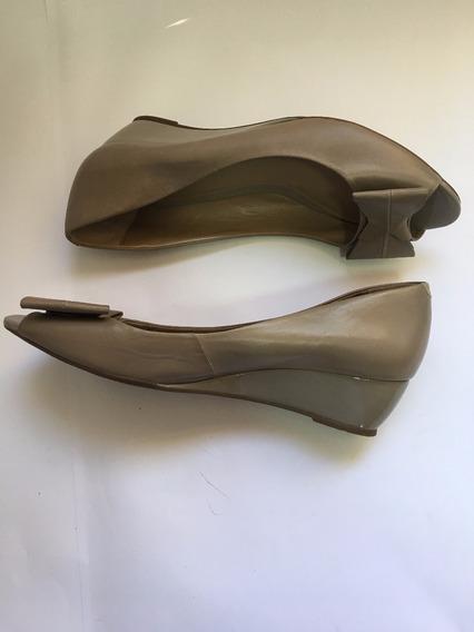 Sapato Fechado Salto Baixo