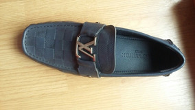 Mocasines Louis Vuitton.