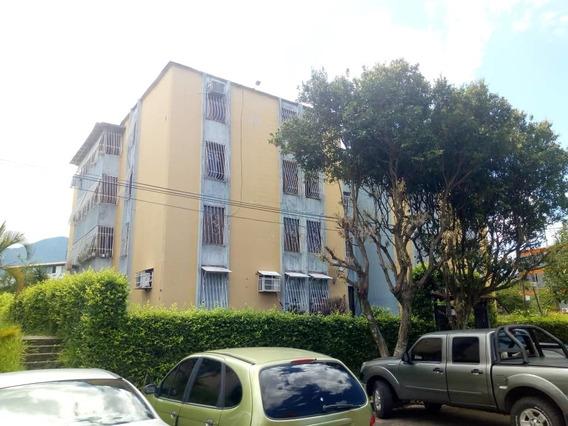 Apartamento En Los Teques, Planta Baja