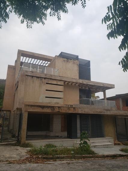 En Venta Casa En Parral Arquitectura Moderna De 3 Niveles