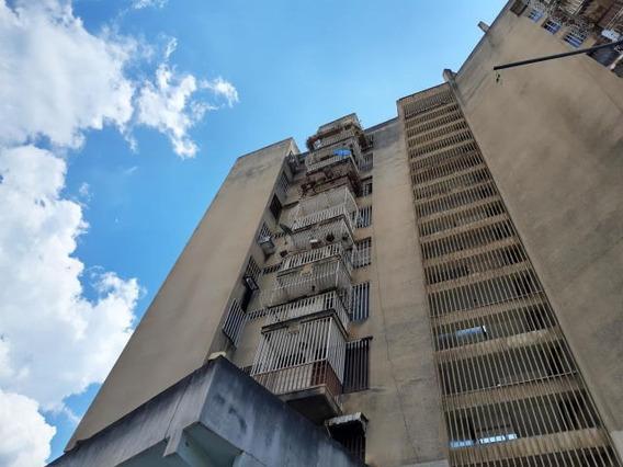 Apartamento En Venta Torre Fundaragua Cod. 19-19985