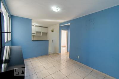 Apartamento No 3º Andar Com 2 Dormitórios E 1 Garagem - Id: 892930052 - 230052