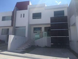 Hrmosa Casa En Renta En Fracc. Lucepolis En Milenio Iii Qro. Ex.