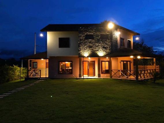 Hermosa Villa Amueblada En Jarabacoa En Venta