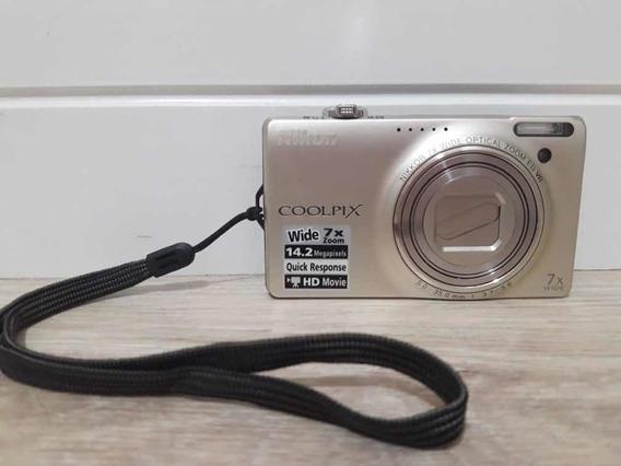 Câmera Nikon Coolpix S6000 + Brinde ( Capa )