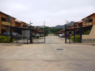 Se Vende Bonito Y Comodo Town House El Trigal De San Diego