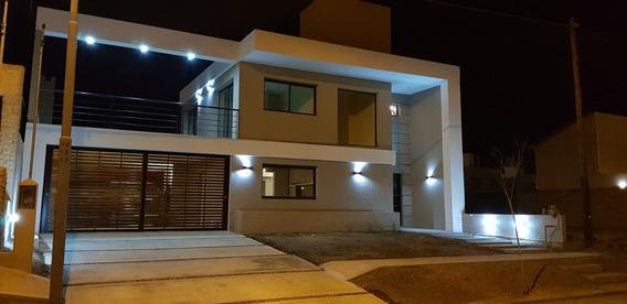 Casa 3 Dorm, 3 Baños,a Estrenar- Comarca De Allende