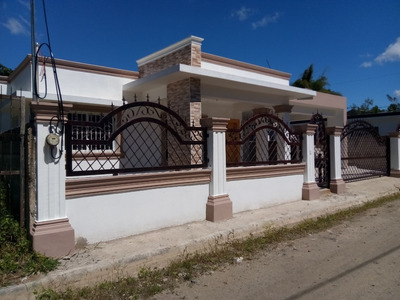 Casa De Venta En Zona Residencial Céntrica En Jarabacoa
