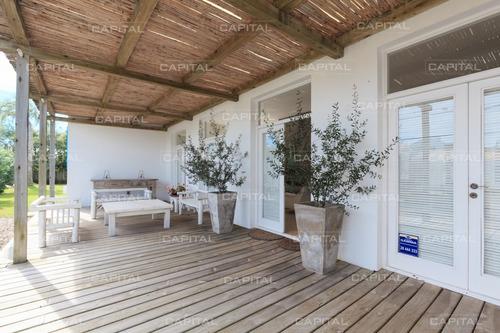 Excelente Casa En Venta En El Pueblo De Jose Ignacio- Ref: 28280