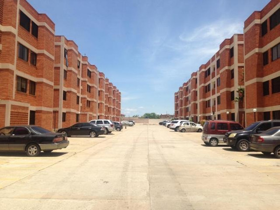 Apartamento En Venta Milagro Norte Mcbo Zulia LG 20-13669