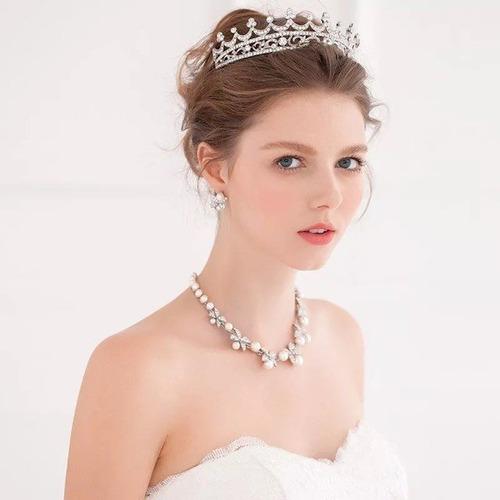 Imagen 1 de 4 de Novia Tiara Collar Gargantilla Arete Cristal Xv Años Remate