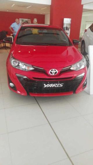 Toyota Yaris Xs 1.5 6m/t 4 Puertas Sedan Okm Nuevo Descuento