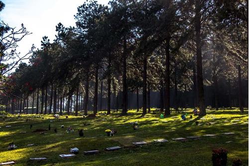 Jazigo Nobre - 4 Gavetas - Cemitério Jardim Da Colina - Sp