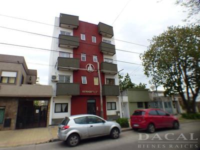 Departamento En Venta Y Alquiler En La Plata Calle 30 E/ 55 Y 56 Dacal Bienes Raices