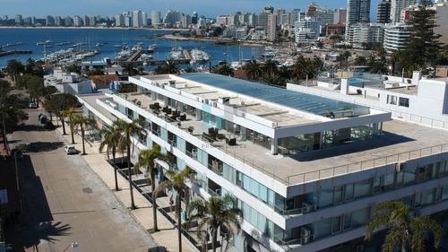 Imagen 1 de 27 de Gala Puerto En Venta, Destacado! Apartamento De 1 Dormitorio + 2 Baños. Oportunidad!- Ref: 7996