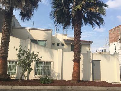 Residencia Con Acabados De Lujo En Real De Valdepeñas.