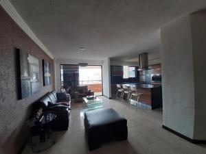 Apartamento En Venta La Trigaleña Valencia, Cod. 20-8542 Dgv