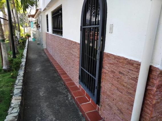 Casa 2 Pisos, 3 Habitaciones. Las Rosas, Guatire