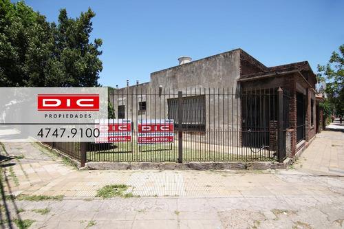 Casa 3 Amb   Depto 2 Amb A Terminar. Propiedad Multifamiliar En San Isidro