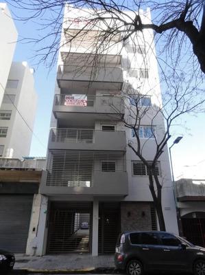 Dueño Vende- 1 1/2 Ambiente 42m2 Divisible, Baño Y Toilette