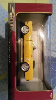 Carro Metálico Die Cast De Colección Mustang Escala 1:24