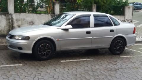 Vectra 2.2 Gl / 2000