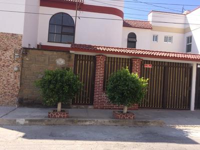 Casa De 3 Recamaras En Fraccionamiento Residencial