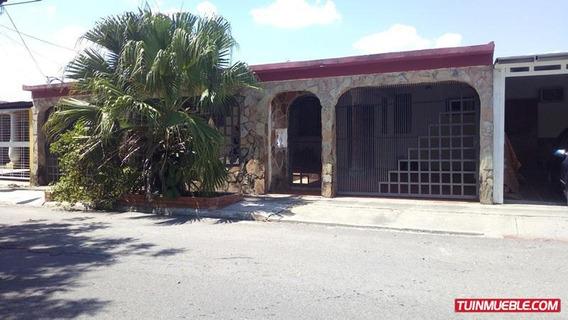 Casa En Venta Los Cerritos Paraparal Los Guayos Rc 19-5062