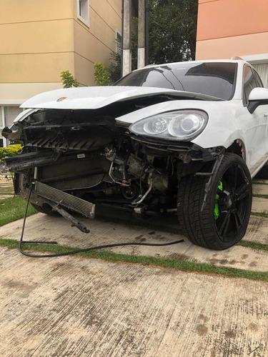 Porsche Cayenne S V8