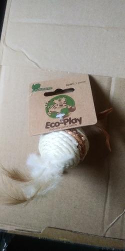 Imagen 1 de 1 de Fancy Pets Naturence Juguete Eco Para Gato Bola Plumas Ejercicio Diversion Entretenimiento