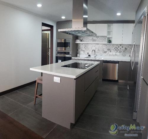 Apartamento En Renta Opcion Venta En La Zona 14 - Pva-004-03-17-51