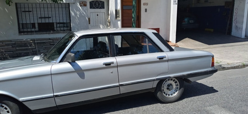 Ford Falcon Año 1982