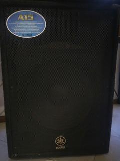 Sistema De Amplificación Yamaha Emx212s Con Cajas A15