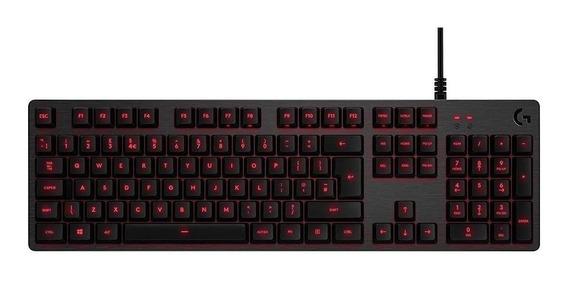 Teclado gamer Logitech Serie G G413 QWERTY Romer-G português brasil de cor carvão com luz vermelho