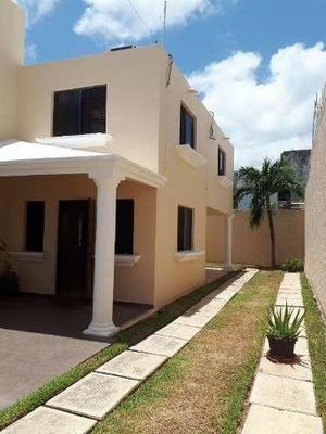 Casa Uso Comercial Sobre Av. Kabah En Renta C2295